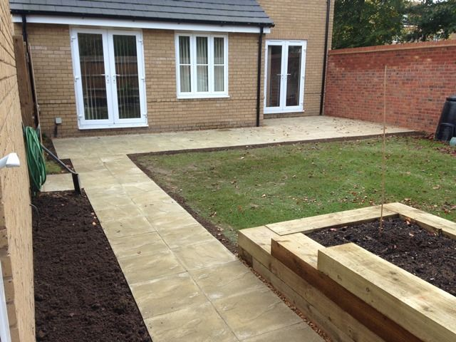 Riven Buff Slab Patio Path (640×480)