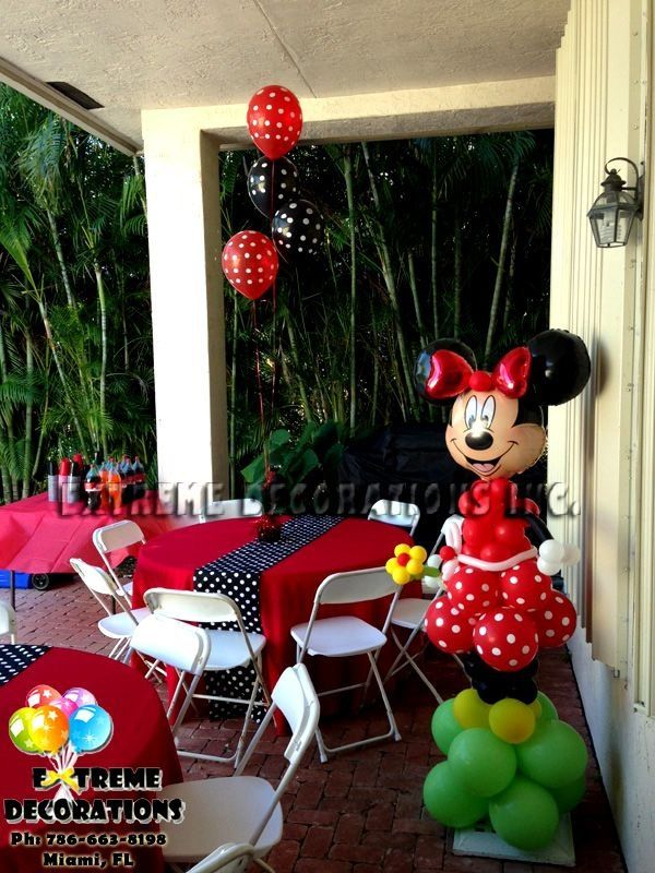 Minnie mouse decoration love the Minnie out of balloons
