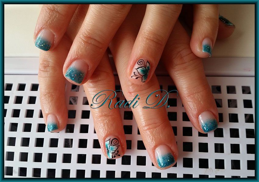 One design on super small nails -> The gel polishes used are Bluesky ...