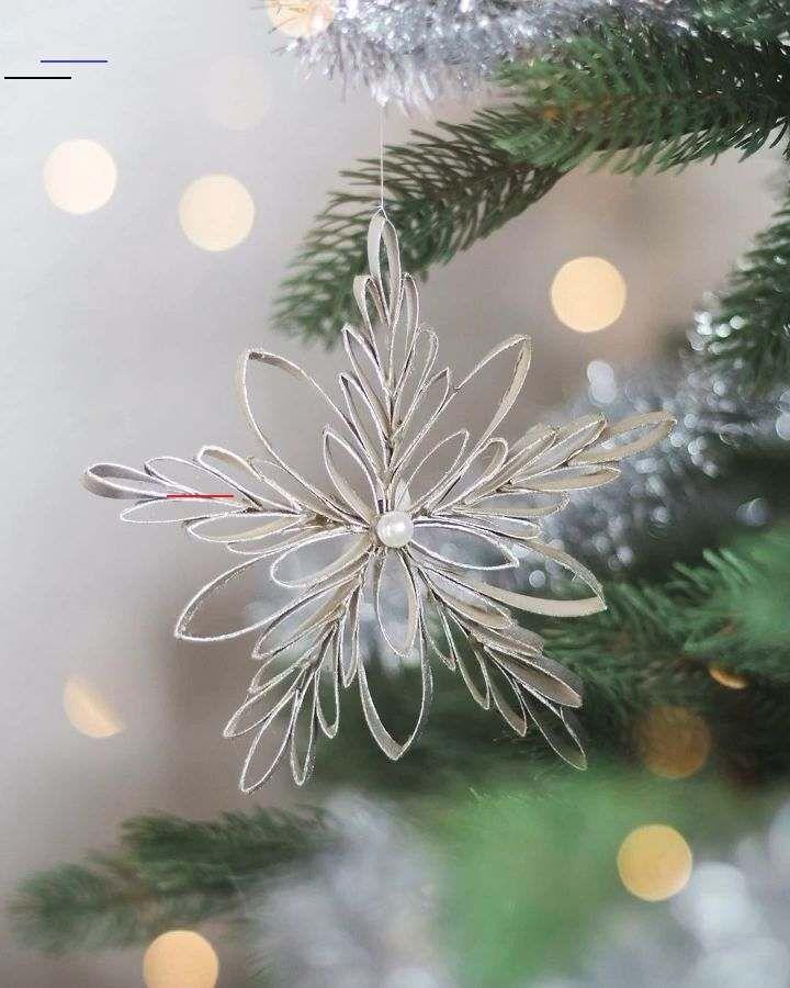 Ticks In Christmas Trees 2020 Schneeflocken aus Klopapierrollen   #weihnachtsdekoweihnachten