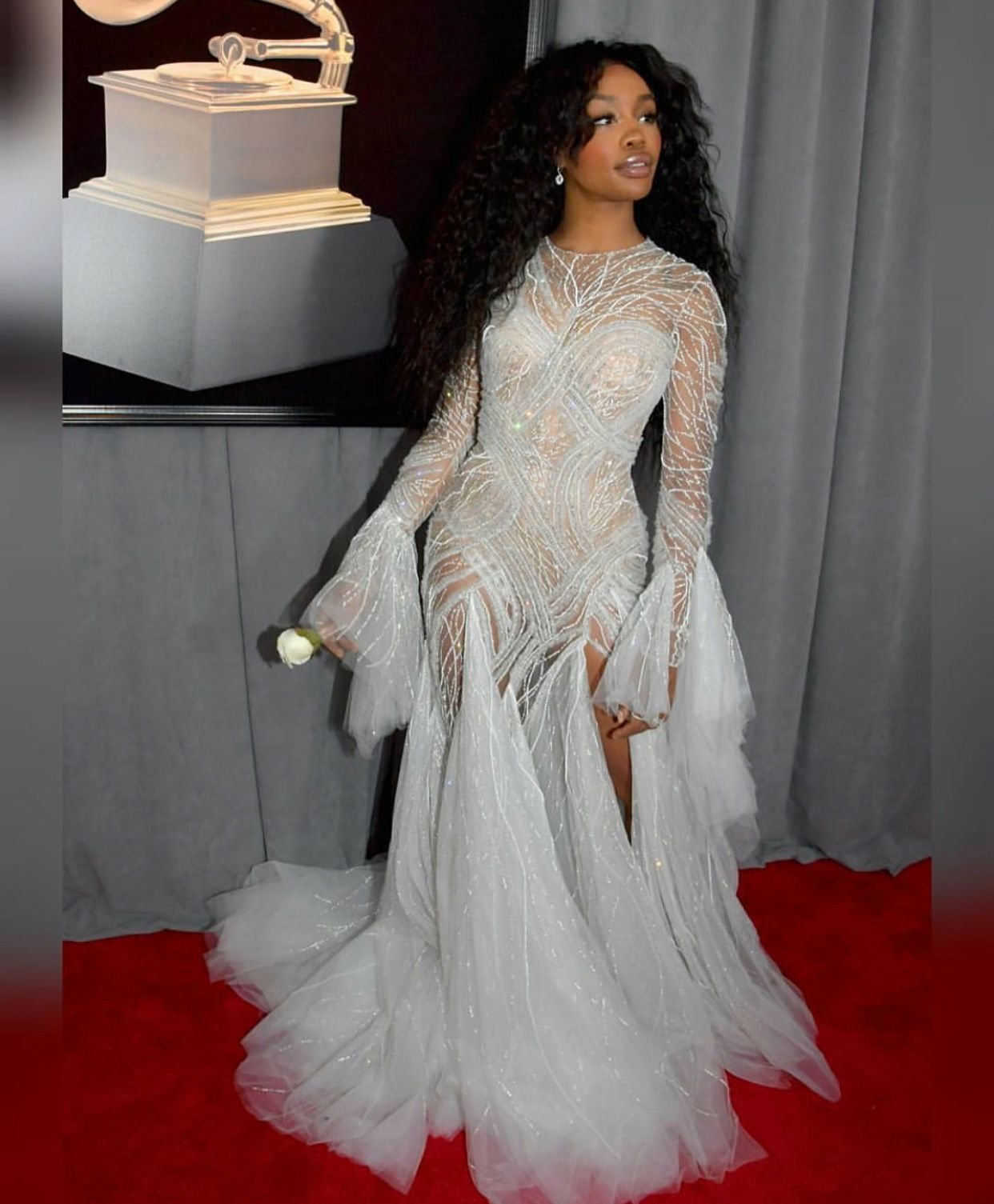 Sza theweekend even though this is not a prom dress uu she was at