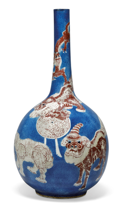 A Chinese powder-blue and copper-red-decorated bottle vase, Kangxi period (1662-1722) - Alain.R.Tru
