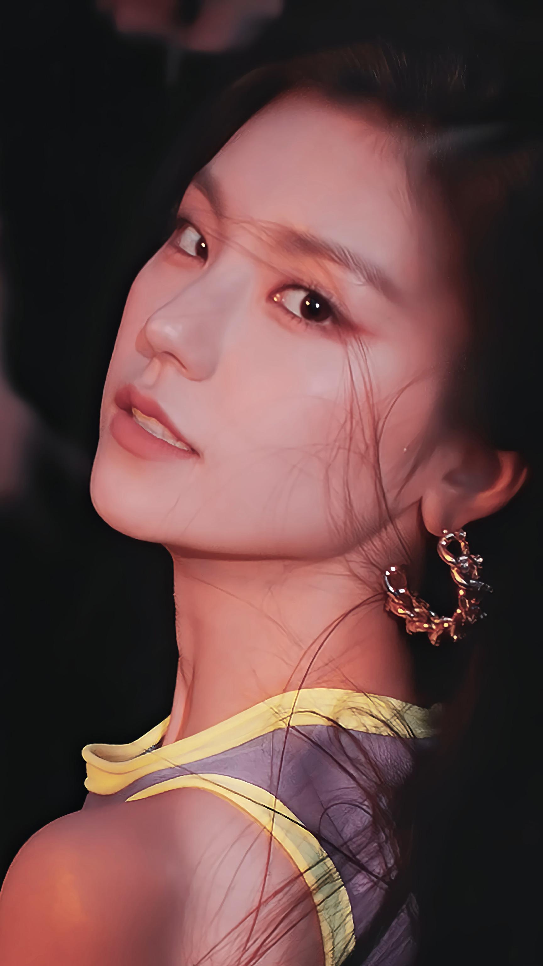ITZY ''WANNABE'' MV Wallpaper #itzywallpaper #yeji | Kpop feminino, Meninas  coreanas, Menina coreana