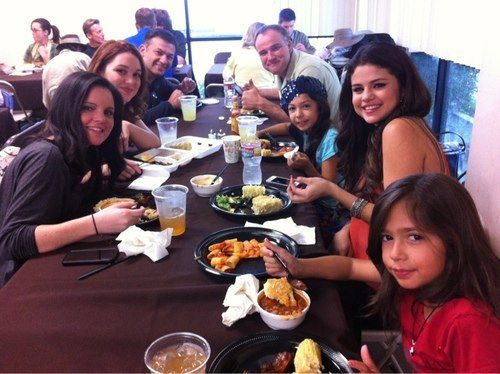 Selena Gomez and the Wizards of Waverly Place cast