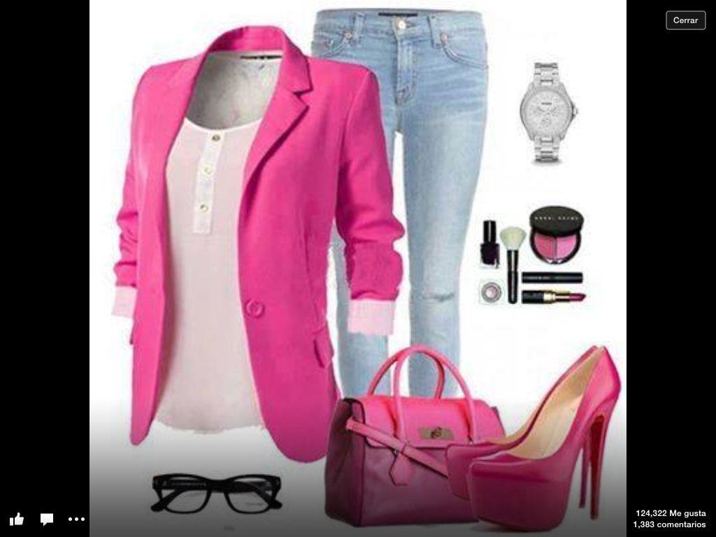 chaqueta rosada con zapato rosado