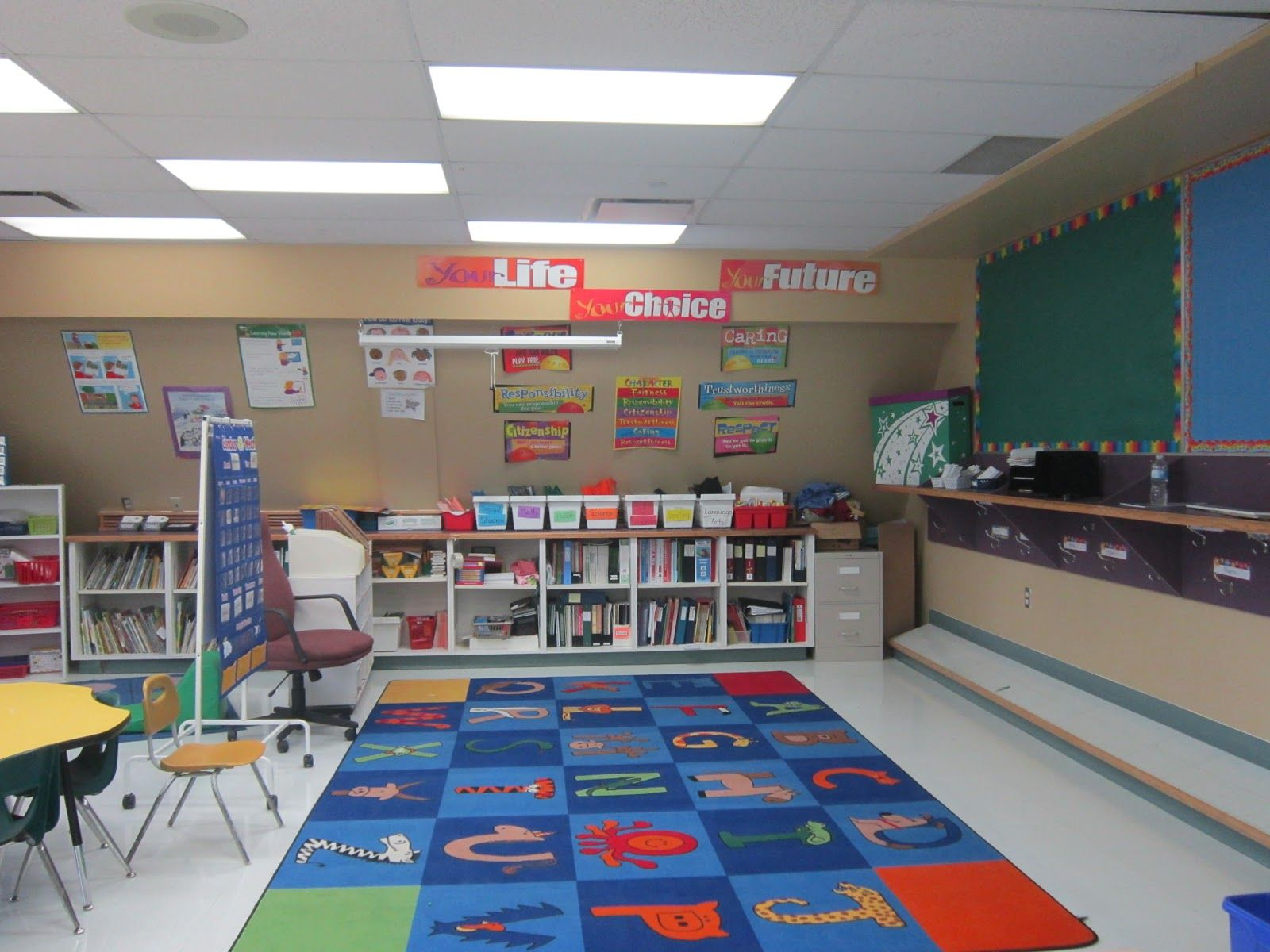 Classroom Lighting Design : Activity rug cooke ing in grade classroom design for