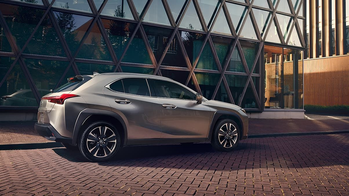 2020 Lexus Hybrid Suv Review Charging Range Performance In 2020 Dream Cars Lexus Suv Models