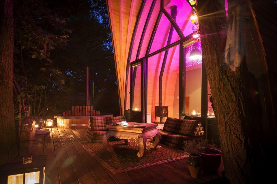 the love bubble een romantische overnachting b b hotels holland bijzondere overnachtingen. Black Bedroom Furniture Sets. Home Design Ideas