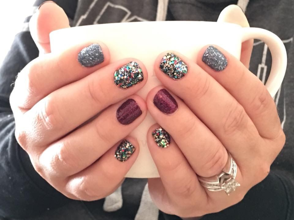Color Street 100 Real Nail Polish Strips Moon River Broadway Glimmer Rio Red Glitter Nails