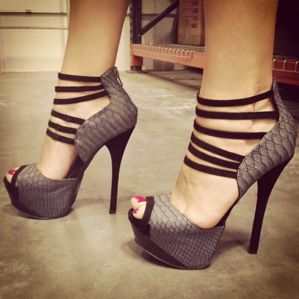 wow these are so sexy. If only I could walk like a light as a feathered supermodel with strong ankles. Lol