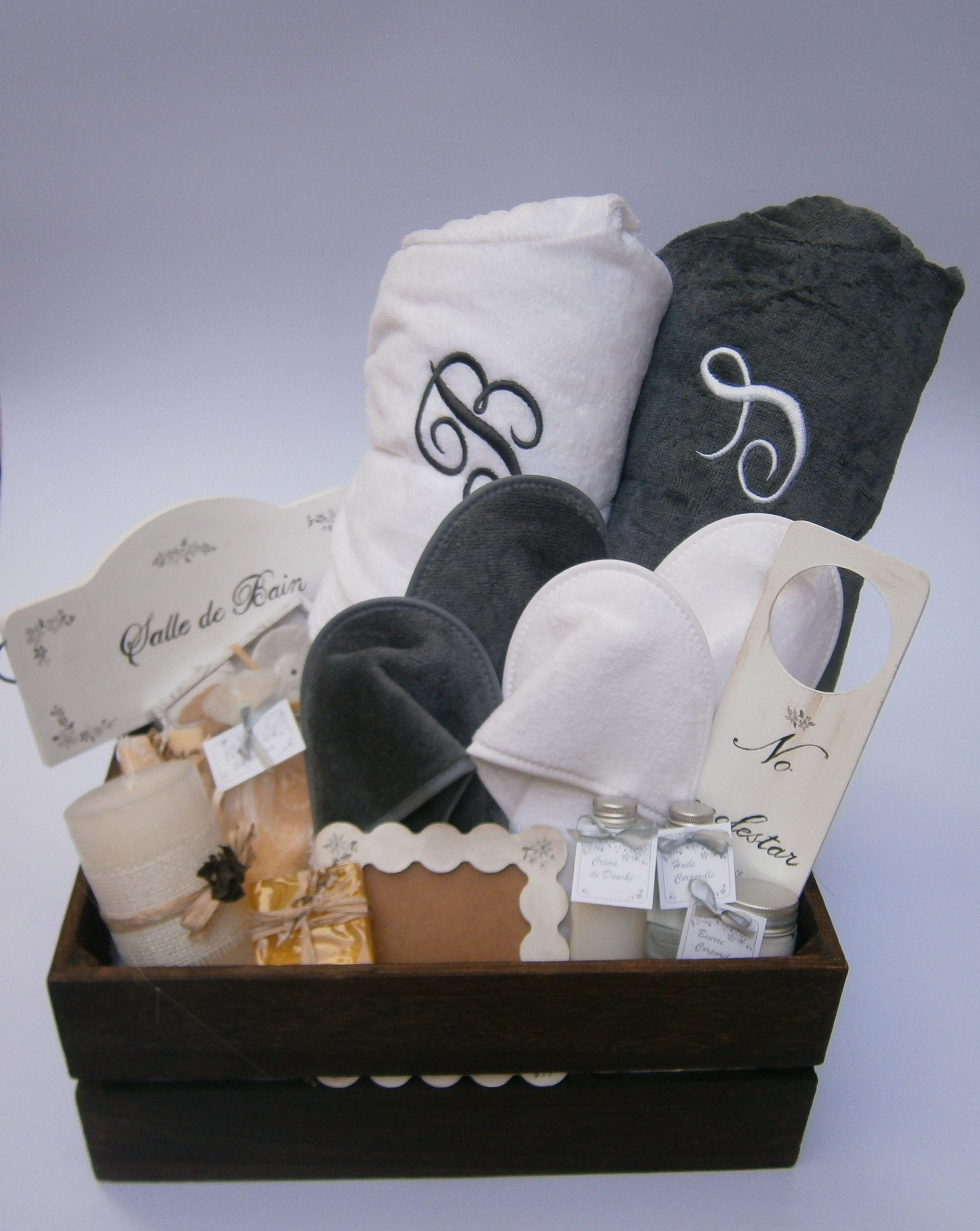 Cesta spa para reci n casados con zapatillas y albornoces - Sorpresas para recien casados ...