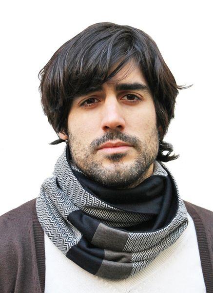 Zweifarbiger Loop Schal zum wenden aus hochwertigem Jersey und eingesetzte Musterstreifen.    Leichter Schal für die Übergangszeit, der in diversen Va