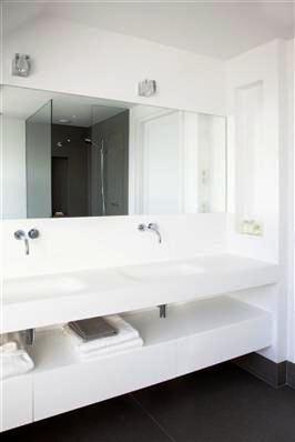 Sjartec Badkamers, sanitair, Leiden, Zuid-Holland | Bathroom ...