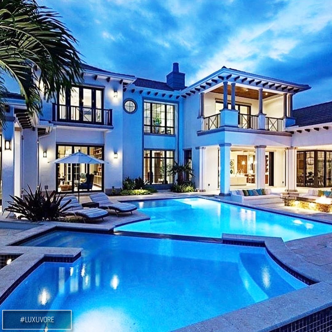 Modern Luxury Mansions with Pools