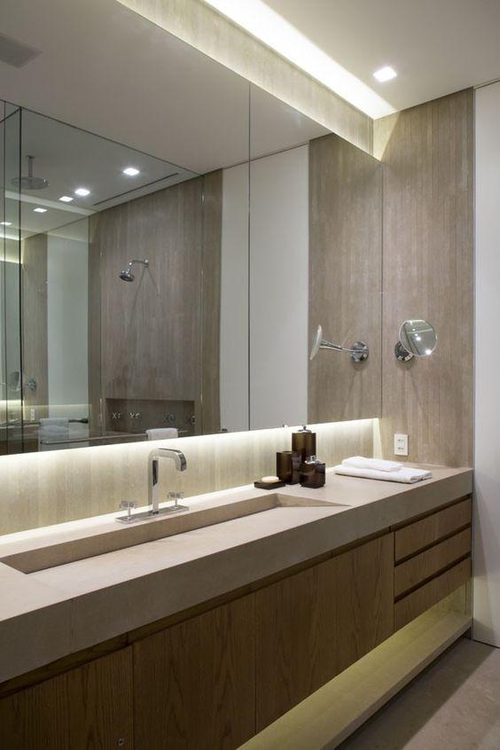 espelho por toda a parede no banheiro lavabo Pinterest Baños