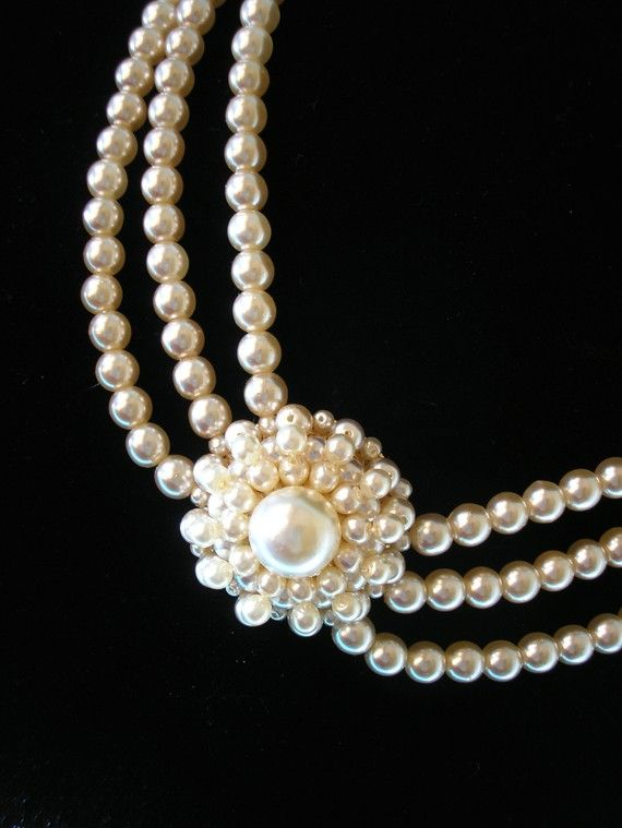 gorgeous pearl necklace with beautiful clasp