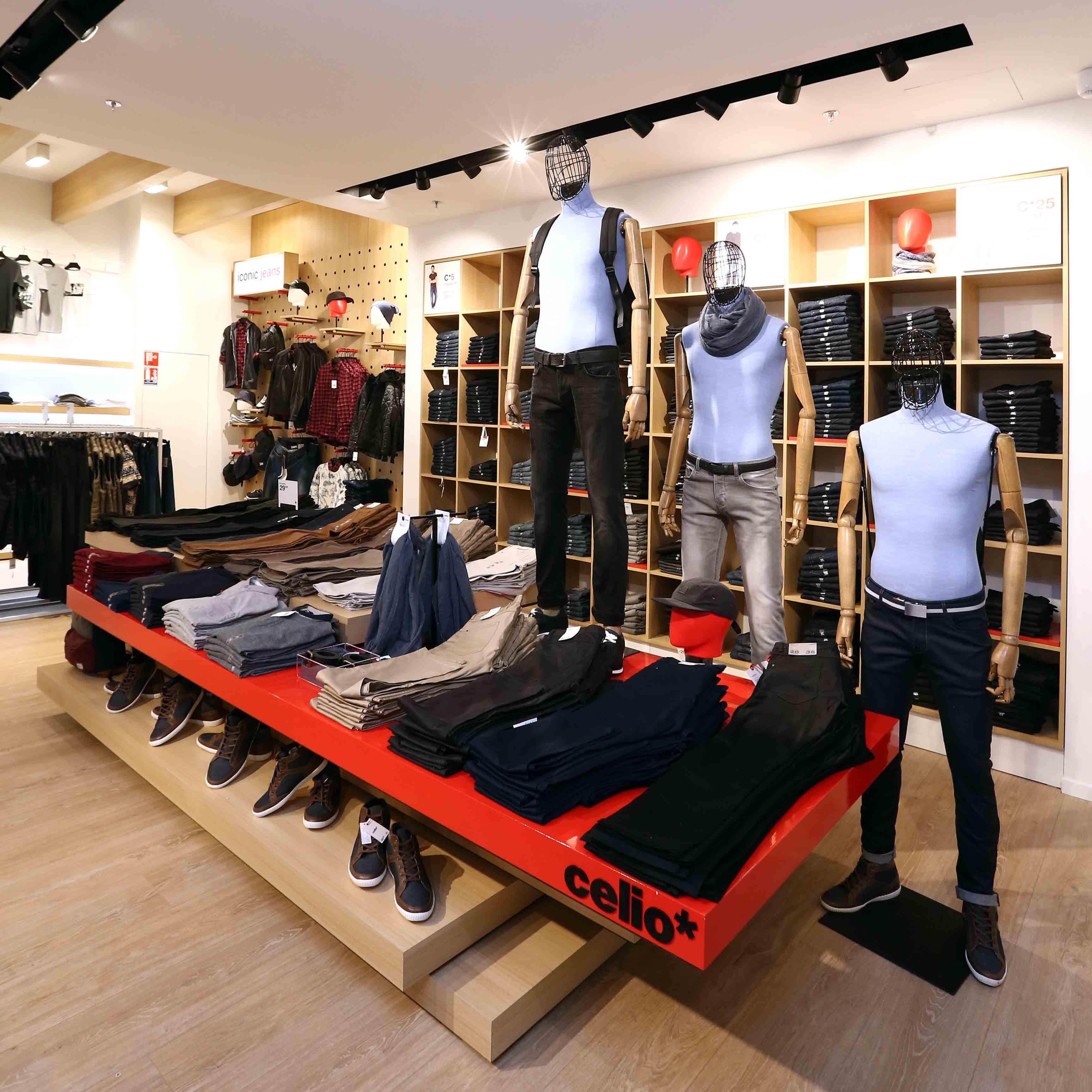 Agencement Celio Nouveau Mobilier Textile Homme Nouvelle Table Jeanerie Mobilier Magasin Vetement Design De Magasin