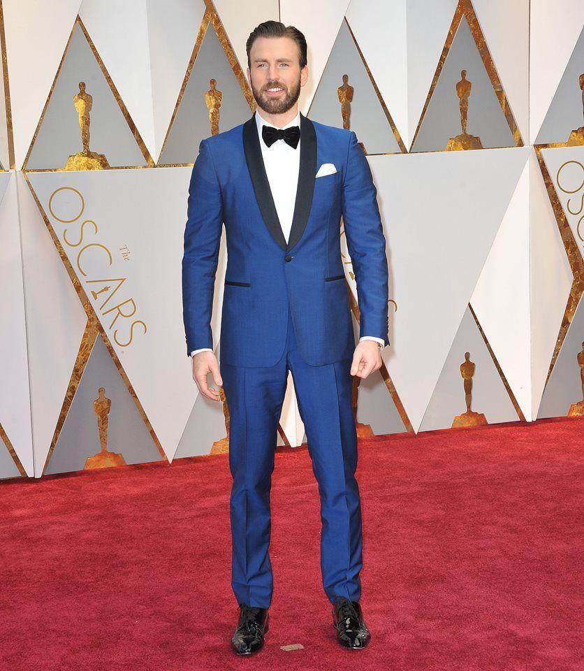 8364a6ce5523f Chris Evans wearing a Salvatore Ferragamo suit to the 2017 #Oscars. #men # celebs #redcarpetfashion