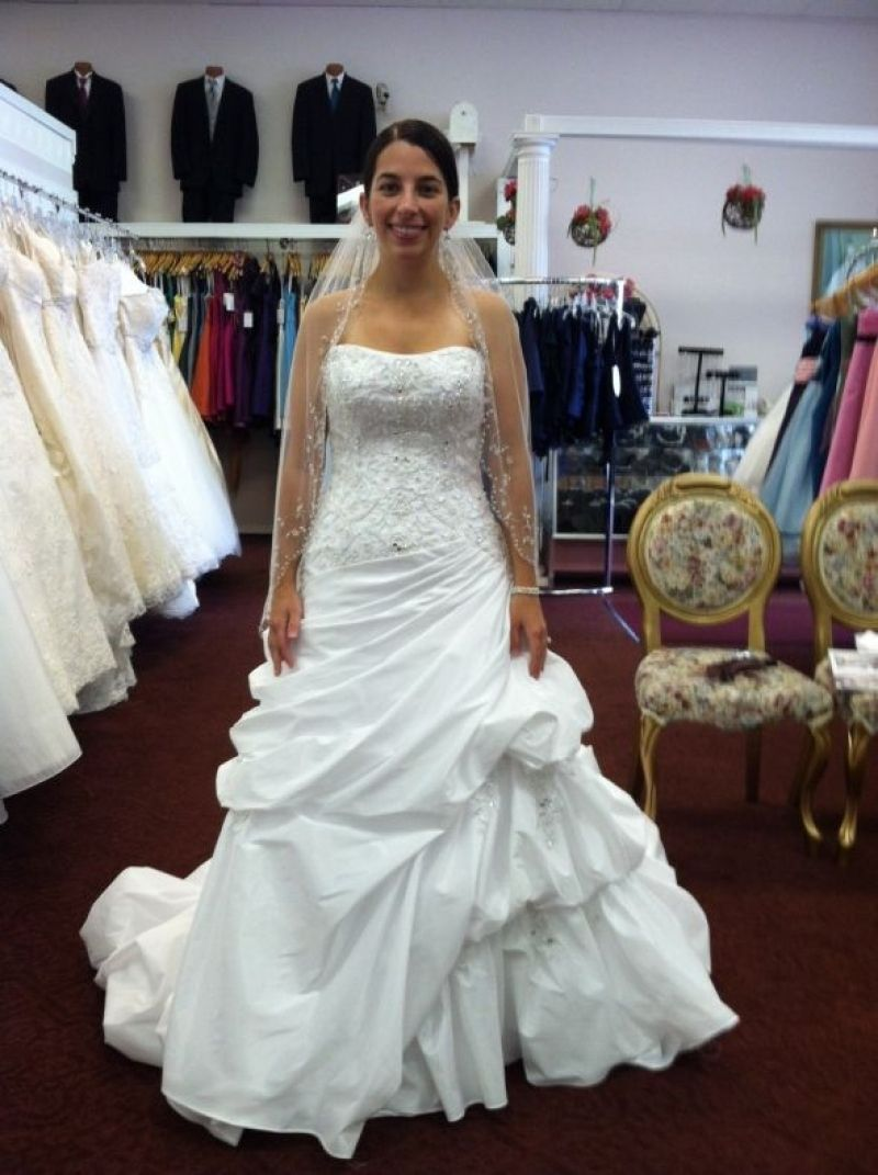 Luxury wedding dresses for short curvy brides with images