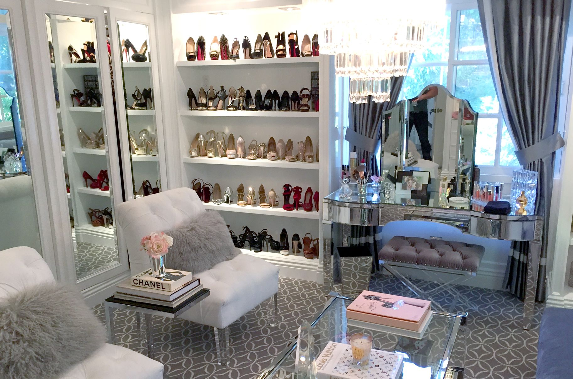 Look Inside Kyle Richard S Boutique Closet Set Up With Images