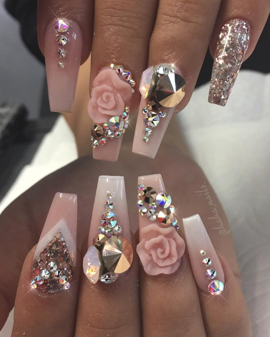 3d Nageldesign Light Pink Nails With 3d Rose Design And Lots Of Gems Nail Ary
