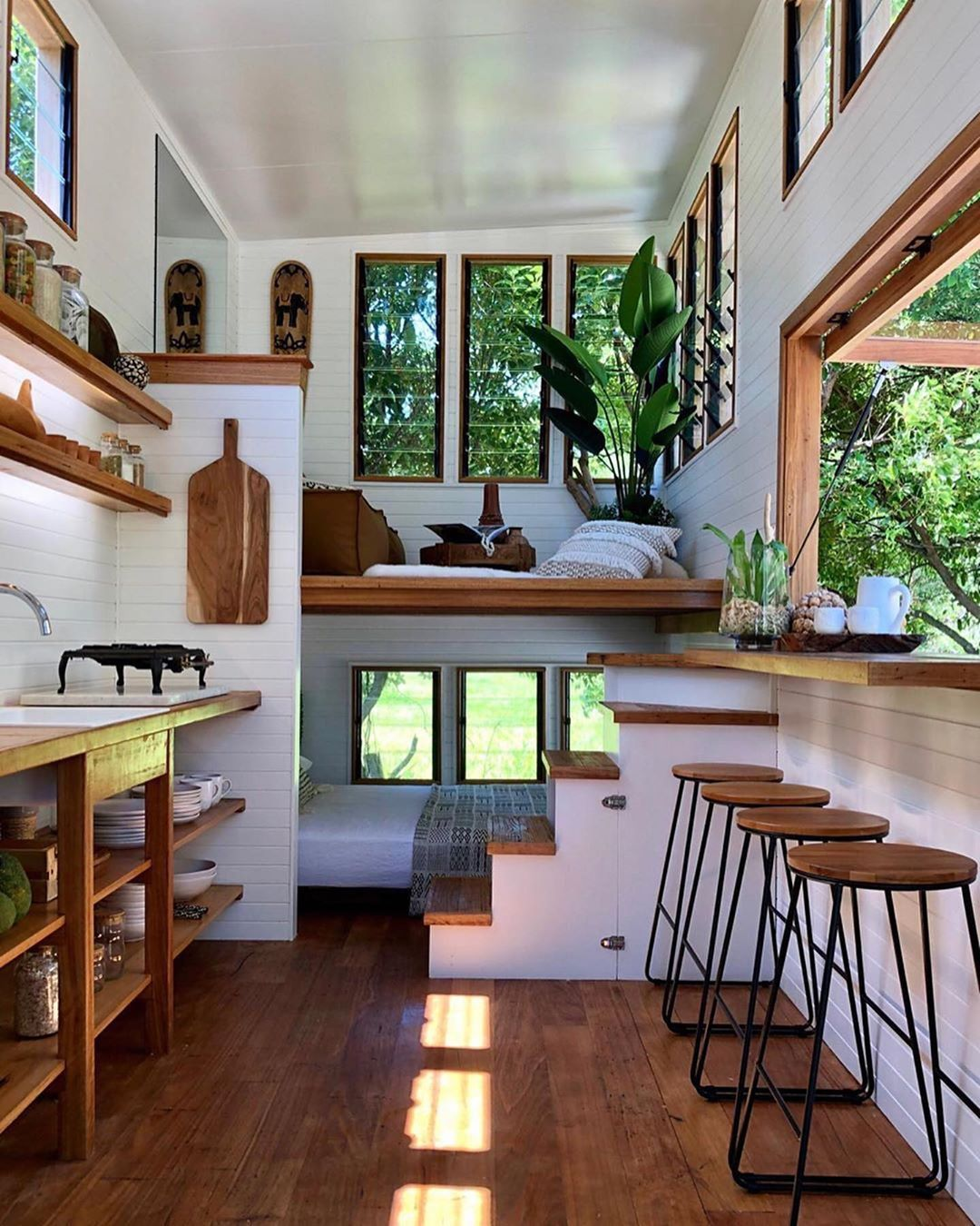 Top 10 Spectacular Tree Houses in The World | Tiny house interior design,  Tiny house living, Tiny house decor
