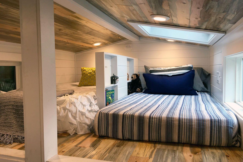 3 bedroom loft  コンパクトスペースでリラックスつのロフトに作り込まれたつのベッド