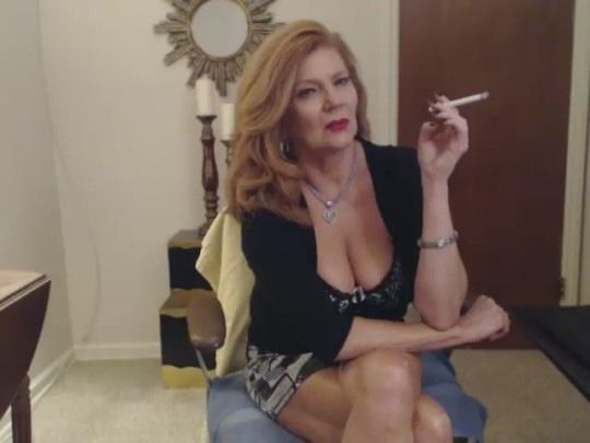 Blonde mature smoke