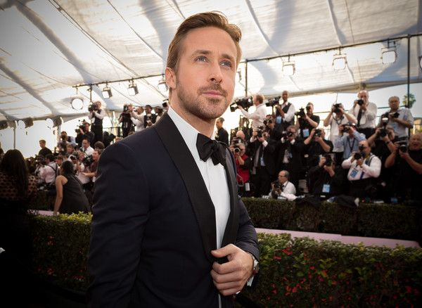 Ryan Gosling Photos Photos - Actor Ryan Gosling attends The 23rd Annual Screen Actors Guild Awards at The Shrine Auditorium on January 29, 2017 in Los Angeles, California. 26592_012 - The 23rd Annual Screen Actors Guild Awards - Red Carpet