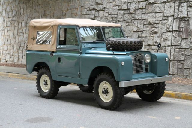 1962 Land Rover Series II (Marine Blue/Black)