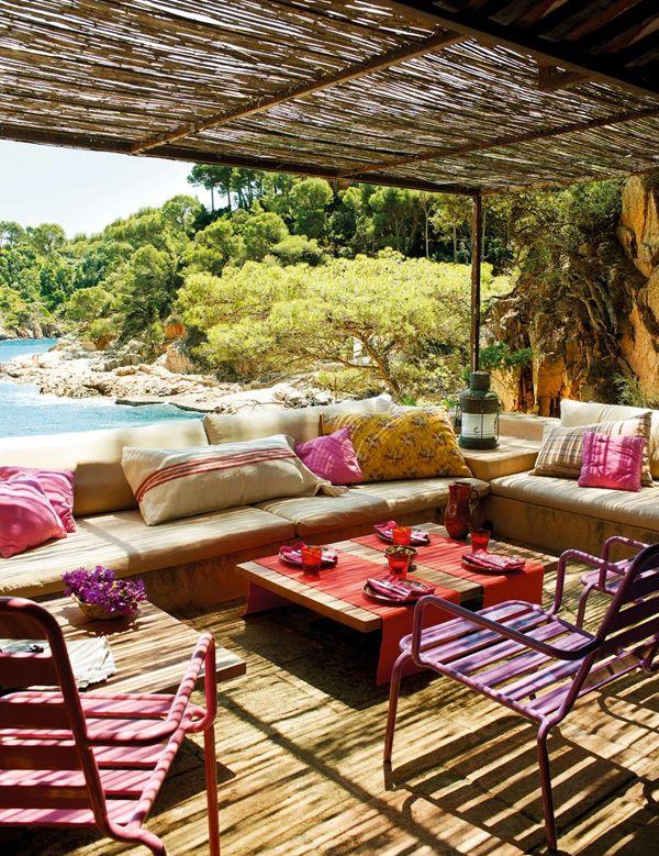 The Best Mediterranean Style Outdoor Areas
