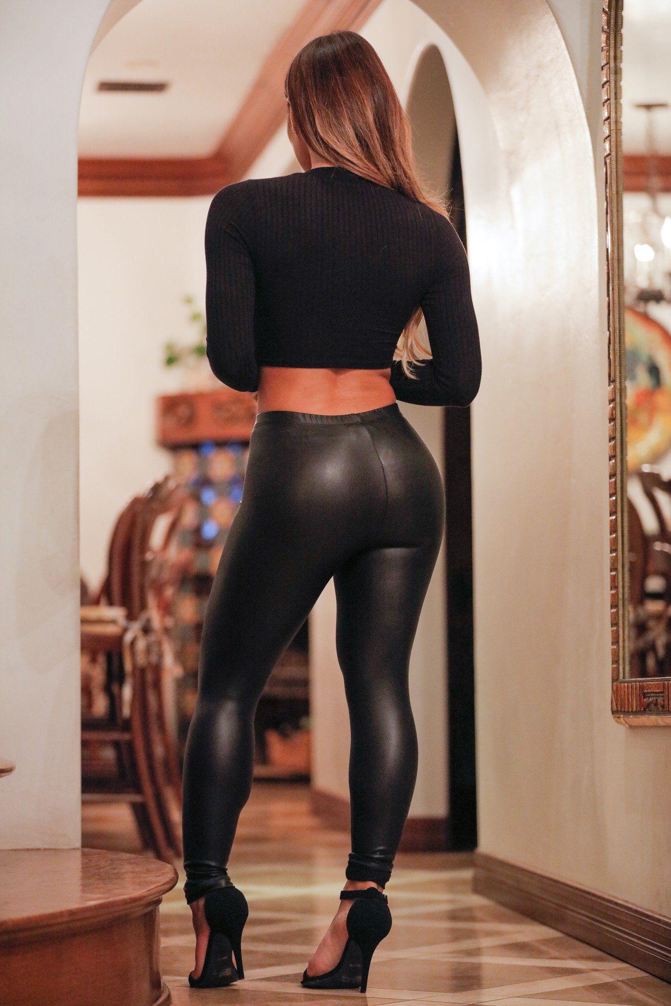 toppless-women-in-leggings-brandy-nor