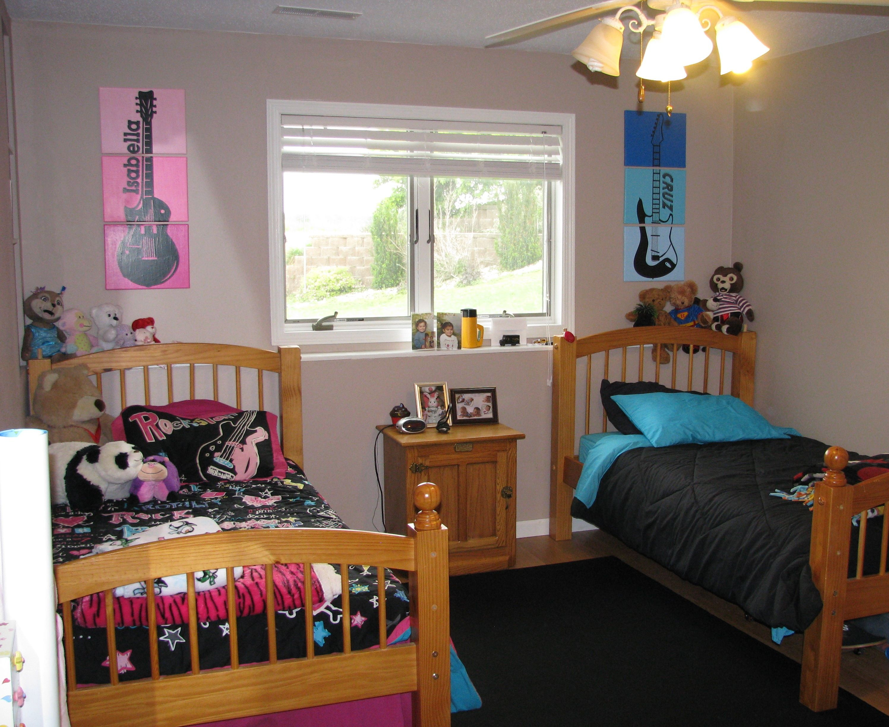 Rock 39 n roll guitar bedroom for my 7 year old twins boy - Bedroom ideas for 3 year old boy ...