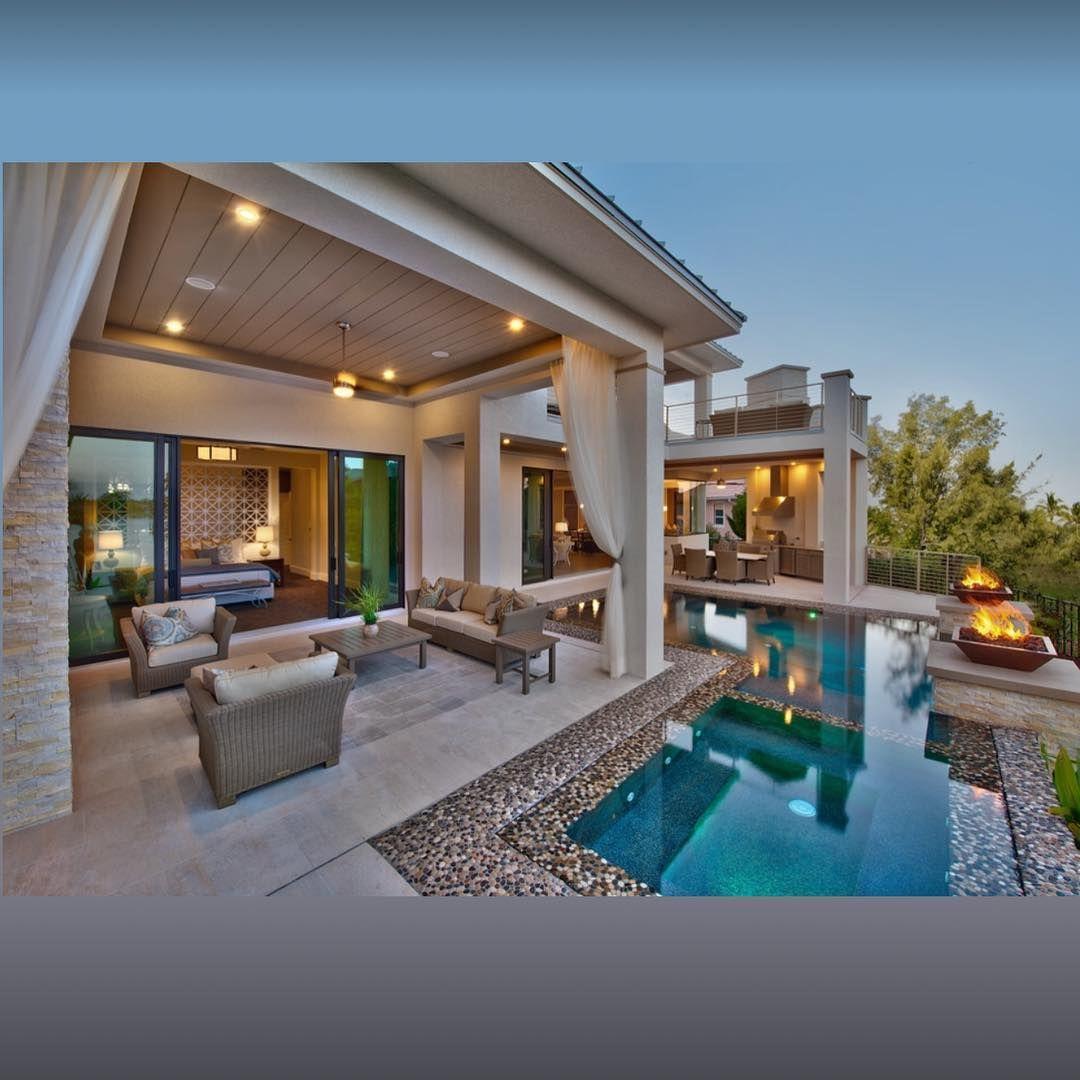 16 Captivating Modern Landscape Designs For A Modern Backyard Diybackyardlandscapingdesign Luxury House Plans Outdoor Kitchen Design Contemporary Patio