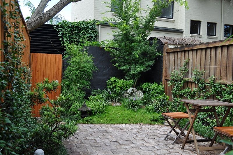 Japanese courtyard landscaped garden inner west sydney for Garden designs sydney