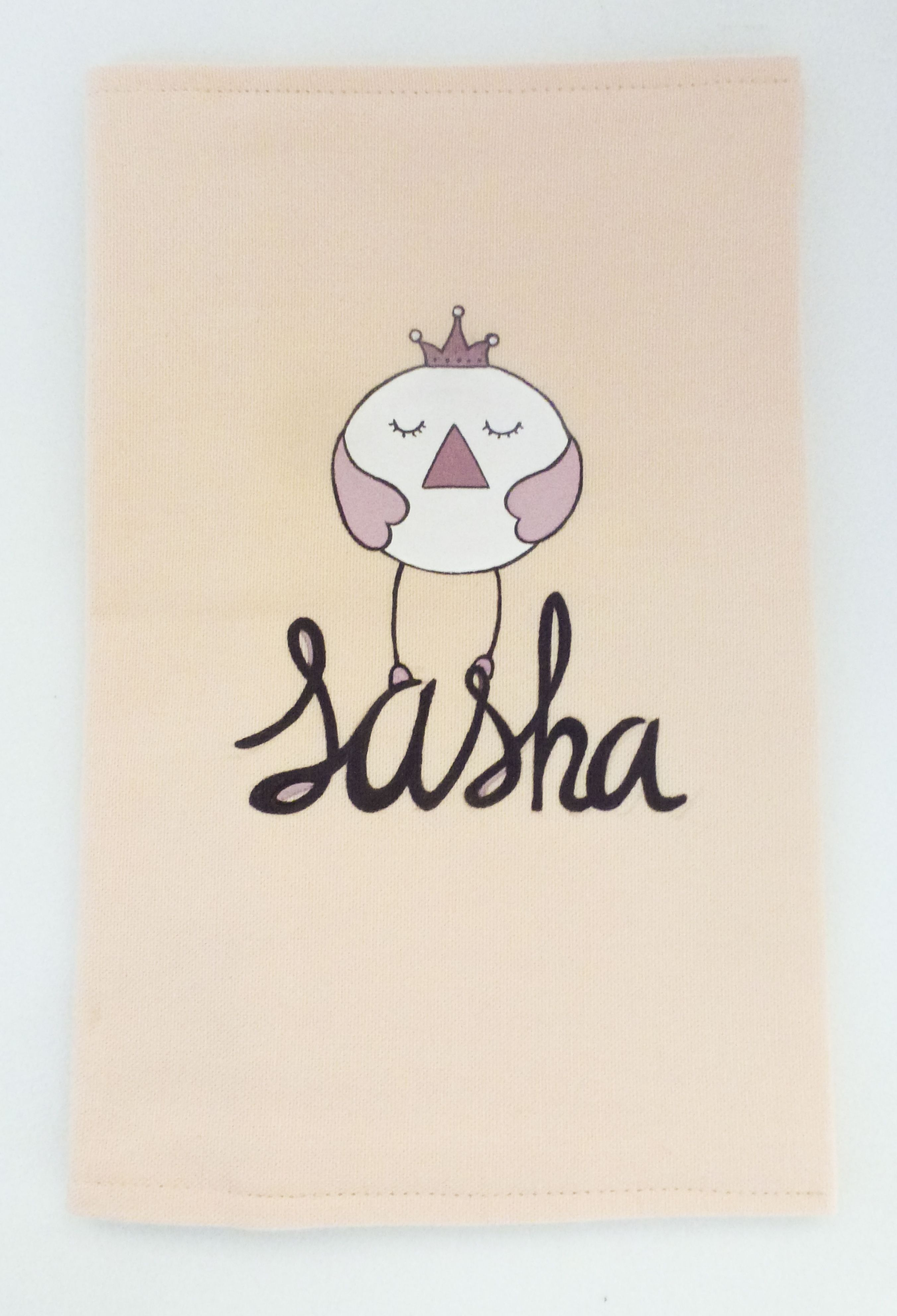 Funda de cartilla sanitaria para Sasha con un pollito como rey de la casa #detalles personalizados #regalosnacimientos #bebés