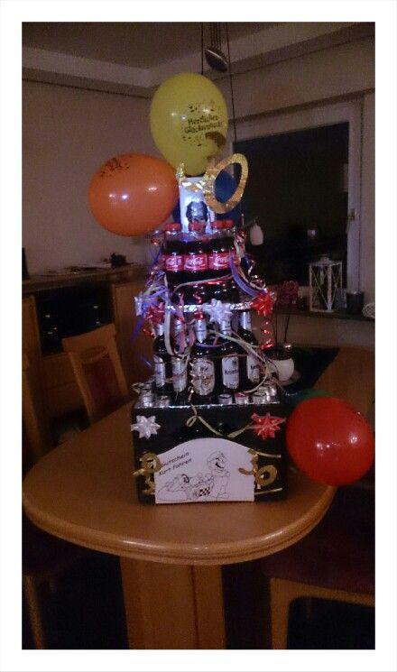 Mannertorte Zum 30 Geburtstag Aus Bier Und Whisky Cola Eine Riesen