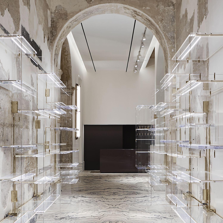 Antonia milano de cotiis retail design boutique for Milano design shop