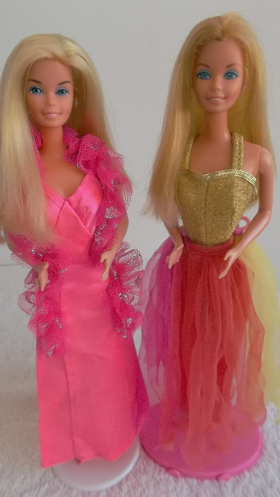 Superstar Barbie 1976 And Fashion Photo Barbie 1977 In 2020 Old