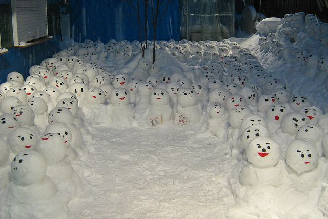 25 Incredible Snowmen And Snow Sculptures - Babble