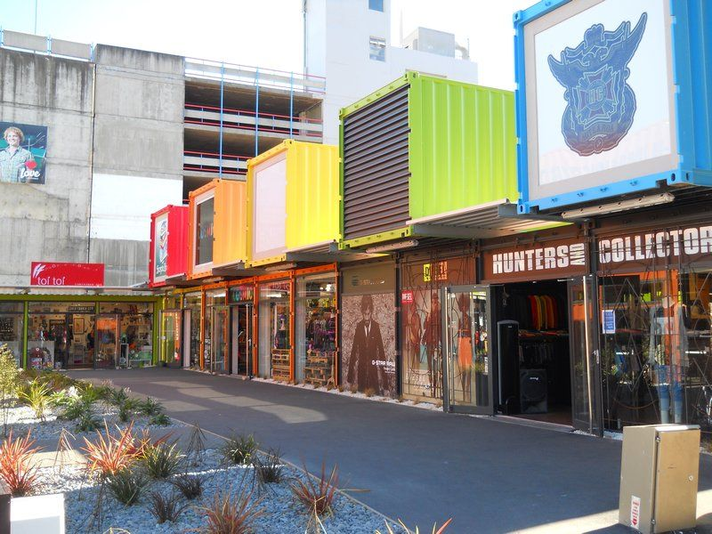 #ShippingContainers put into good use, renovated and turned them into little #shopping districts #Colourful