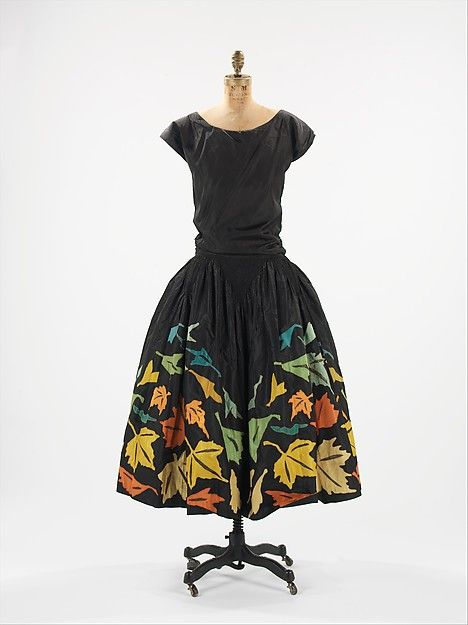 Black silk evening dress, with leaves embroidery, Myrbor, 1924