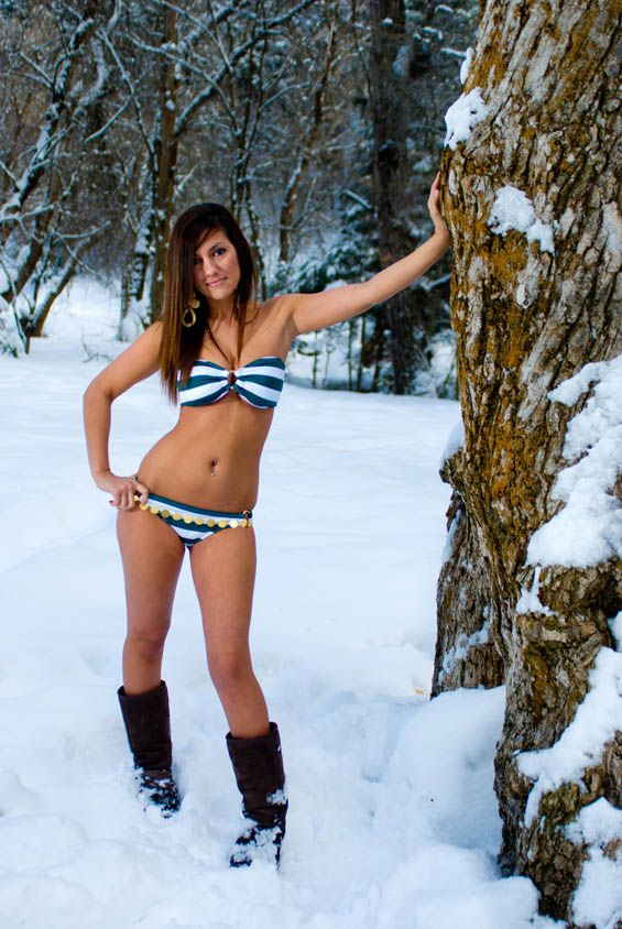 Bikini girls in the snow