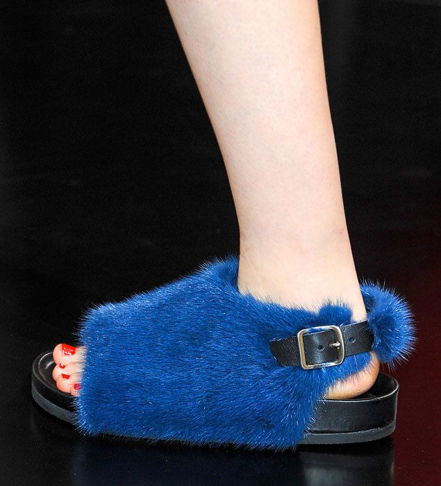 preciosas sandalias para el verano...ríete pero están de moda