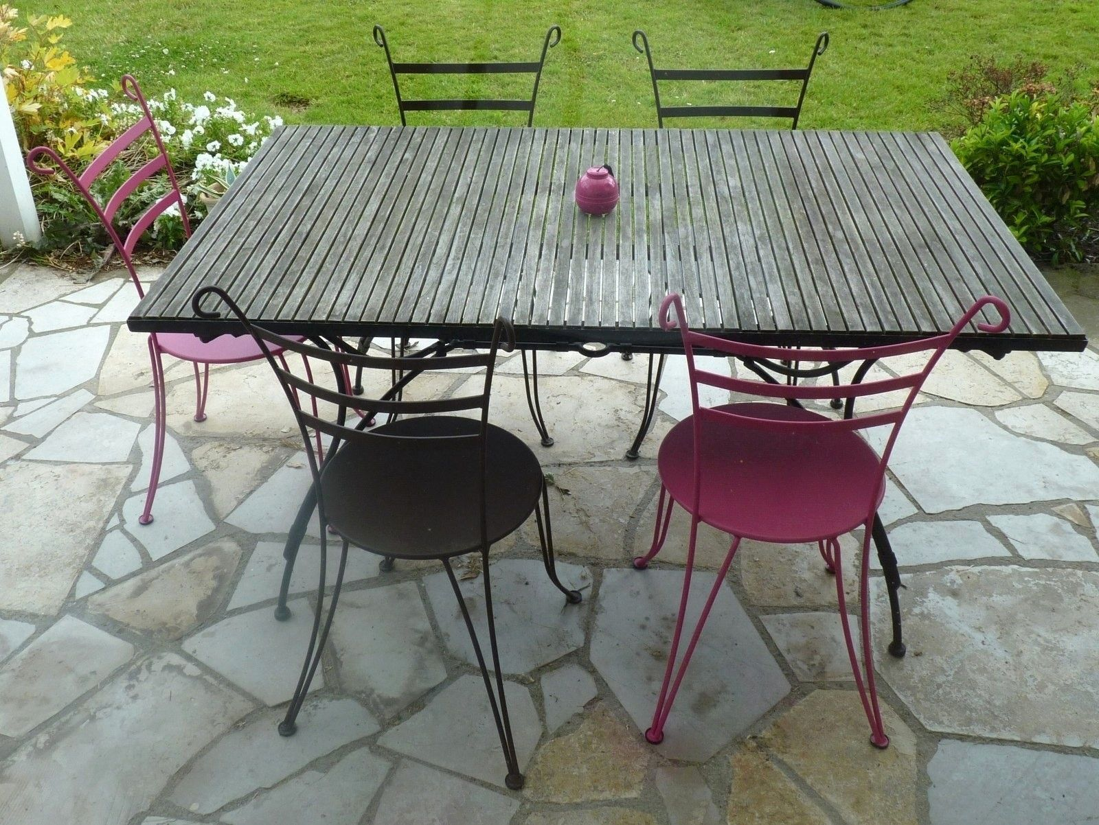 Pin By Ketty Corp On Idees De Meubles Outdoor Tables Outdoor Decor Indoor Garden