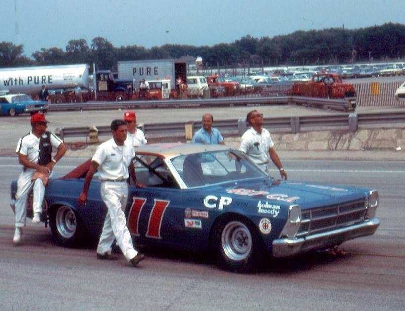 Mario Andretti At Milwaukee Mile 1967 Ford Racing Old Race Cars Nascar Racing