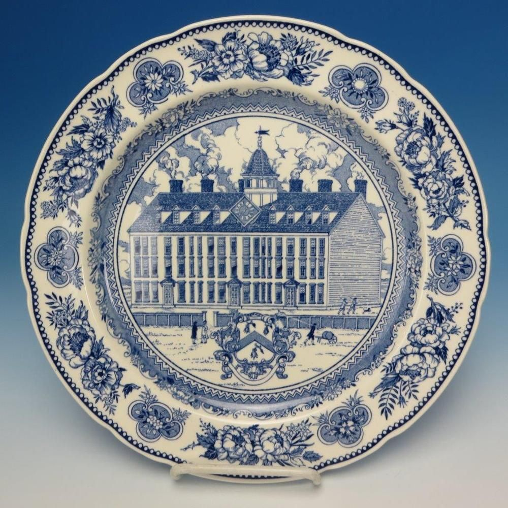 Wedgwood China - Yale University - 1931 Collector Plate - Yale College 1718