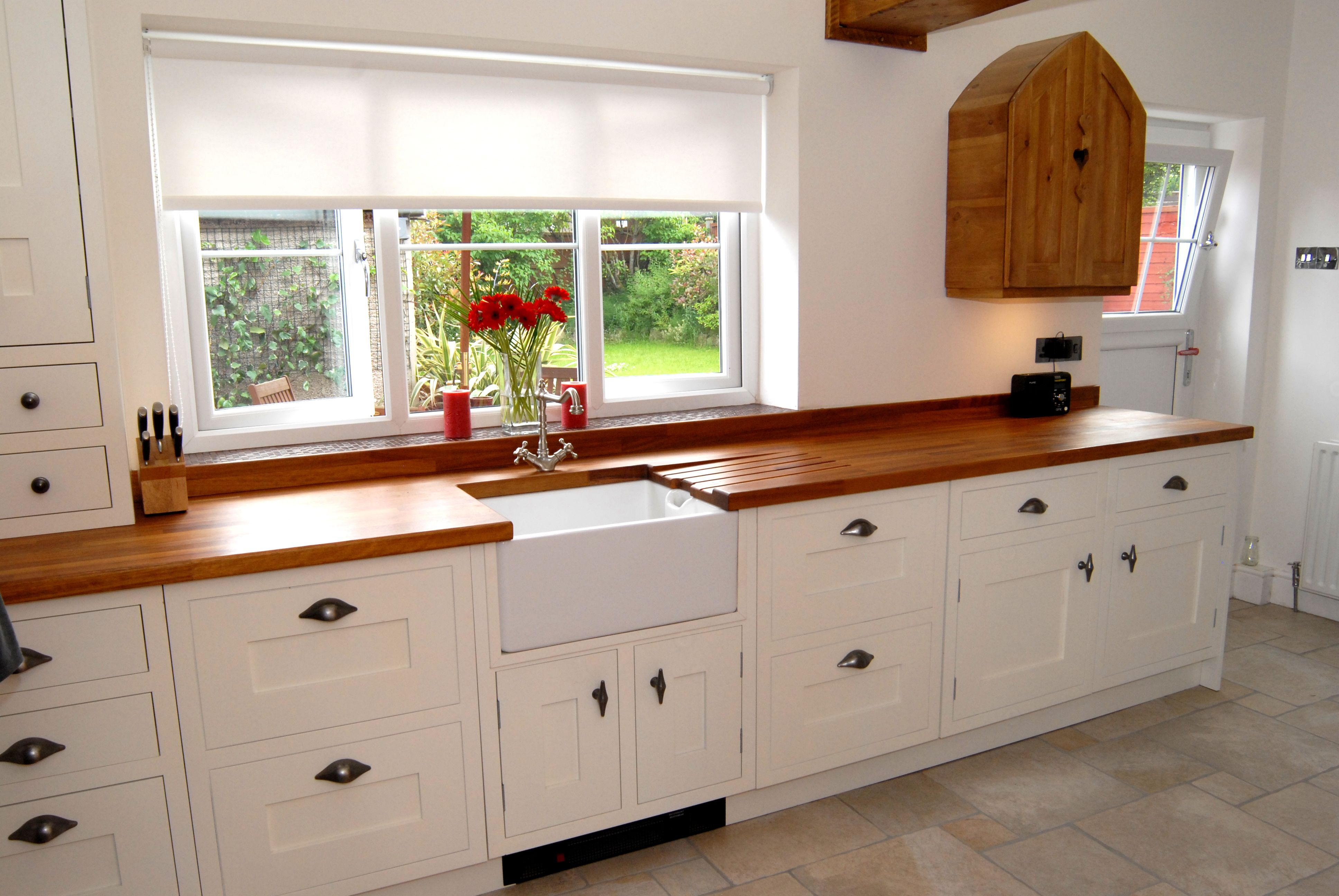 Beautiful natural timber compliments this cream painted ...
