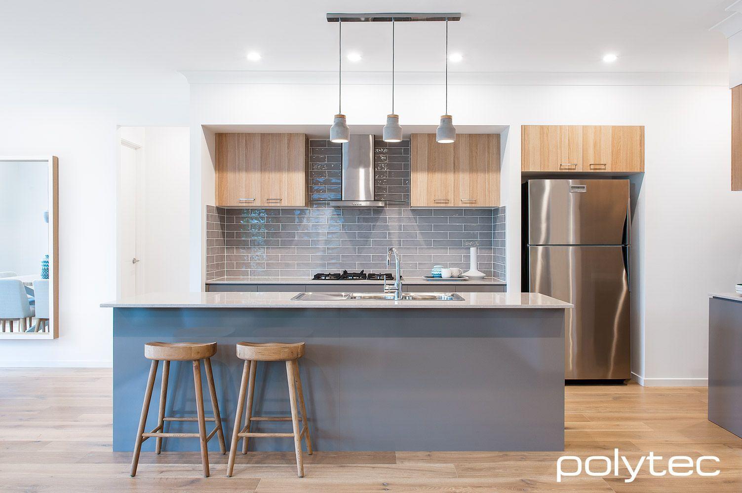 Resultats De Recherche D Images Pour Modern Kitchen White Cabinets With Wood Melamine Island White Kitchen Cabinets Grey Kitchen Designs Grey Cupboards