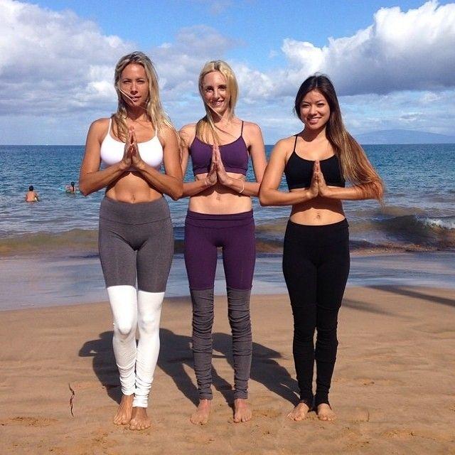 Talk About A Triple Threat Gypsetgoddess Jessegolden Kushmaster Spotted In Our Goddesslegging Instagram Yoga Inspiration Alo Yoga Yoga Challenge